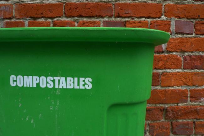 Compostables © cc Flickr(bigoteetoe)